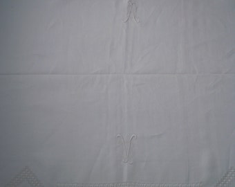 VERY BEAUTIFUL TABLECLOTH with 12 table napkins