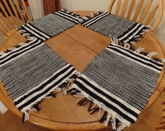 Set of 4 woven placemats