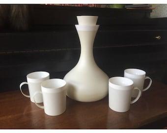 David Douglas White Therm Ware Carafe and Mug Set of 4- Atomic Mid Century Modern Vintage Retro Mod