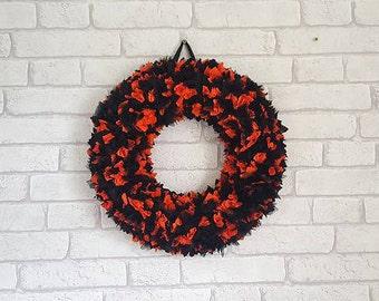 Halloween Rag Wreath~Halloween Party Decor~Front Door Wreath~Wall Hanging Wreath~Fall Wreath~Trick or Treat~Halloween Decoration~ON SALE