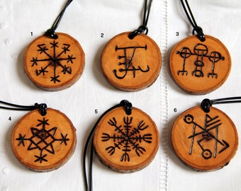 Wooden pendant, carved with viking rune, Aegishjalmur, rosahringur minni, protection amulet, talisman, fantasy, lucky-charm, chance