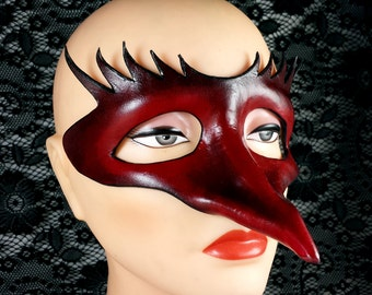Handcrafted Red/Black Leather Mask - Zanni