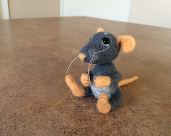 SOLD. Felt toy mouse, rat, felt natural wool toy, tiny soft sculpture miniature mouse, rat, needle felted, cute