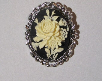 Black & White Floral Cameo Brooch