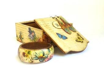 Bohemian gift flower box, wooden jewelry box Nice gift memento box Jewelry storage wood box Custom initial gift Floral box personalized gift