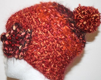 Crochet in shades of Red Hat and its pompon