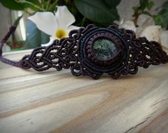 jade macrame bracelet, macrame gemstone bracelet, jade bracelet