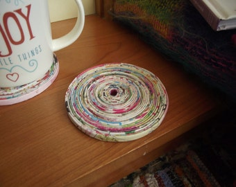 Recycled Magazine Coaster (Spiral)