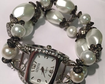 Pearl and silver interchangeable beaded watch