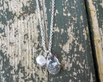 Bridal teardrop Swarovski crystal and pearl necklace, Wedding teardrop Swarovski crystal necklace, Bridal silver teardrop crystal necklace