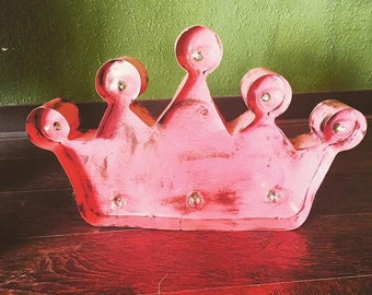 Plug in light up Crown (PINK)