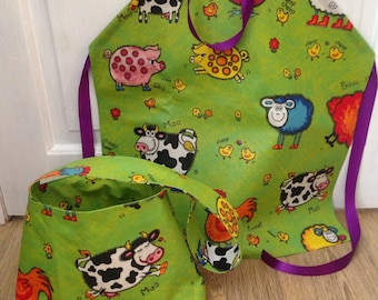Child's apron, childrens bag, Cooking apron, Messy play apron, Painting apron, Kid's tote bag, Farmyard animals, Wipeable PVC.