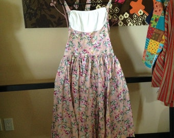 Vintage Floral Dress with White Gathered Chest and Adjustable Corset Back