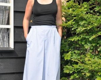 Lovely vintage summer skirt. Light blue/white stripe print. Size 38/40, M.
