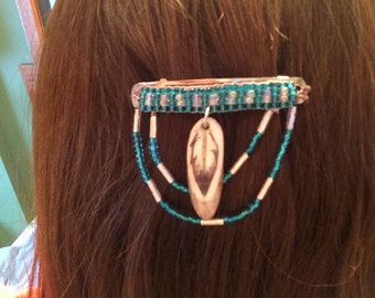 Beaded barrette with eagle feather