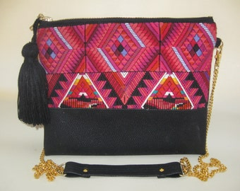Crossbody/Clutch geometric hand embroidered over telar purse handmade