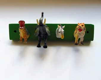 Green Zoo Animals Coat/Key/Jewellery/Clothes/Lead Hook - FREE UK P&P