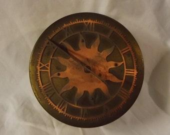 Mechanical Sun Dial Clock