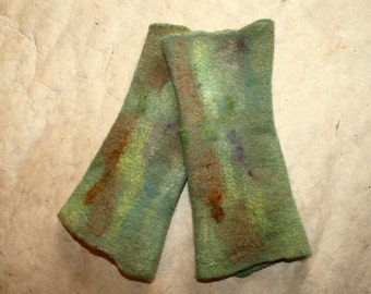 Felted arm warmers / Nuno 'Giardino'