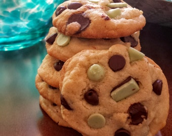 Luck o' the Irish Mint Chocolate Chip Cookies