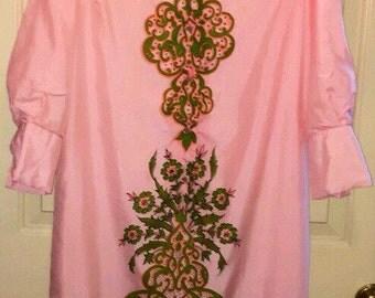 Vtg 1970s Serbin Partial Button Down Shirt Dress Signed Print Pink Sz M