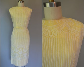 1950's Yellow Linen with White Lace Overlay Dress - Size Medium