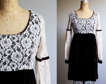 1960s Brown Velvet and Creme Lace Holiday Dress