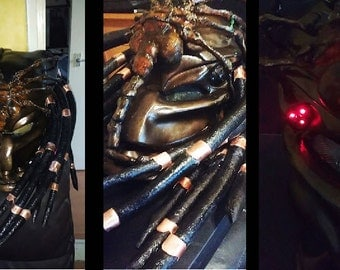 full size predator alien mask with facehugger cutting disc as stand