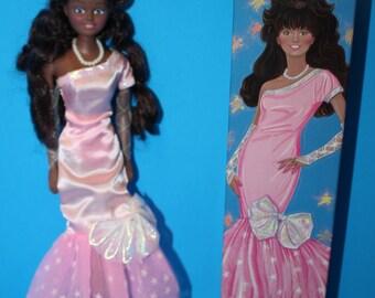 "Avon 11 inch Fashion Doll, ""Kenzie"" with Box"
