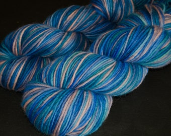 Neptun – Valicha – Merino single worsted weight yarn