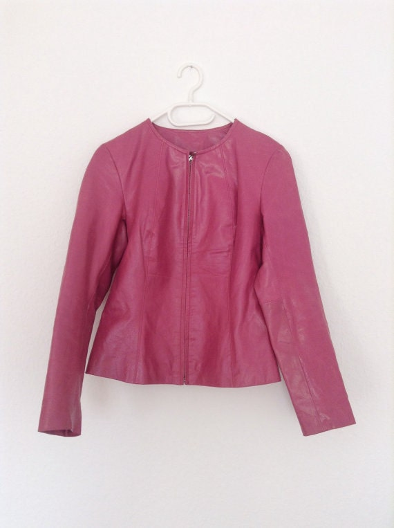 Nice vintage 90s pink tone 100% real leather blazer / jacket, fully lined, simple and chic