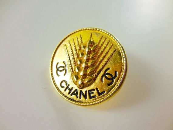 Last one! 1x Authentic D23mm Chanel vintage gold tone gold plated metal button, large size