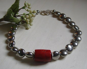 Beautiful light chain with coral - necklace - 46, 5cm