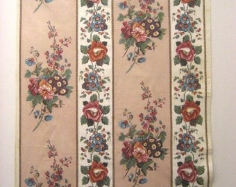 Beautiful Vintage 1930s French Floral Cotton Chintz Fabric (9318)