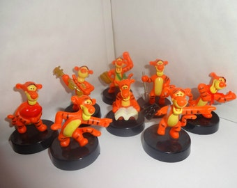 Mister A Gift set of 8 Tigger Plastic Cake toppers