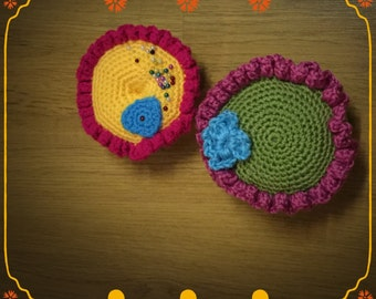 Crochet pin holder