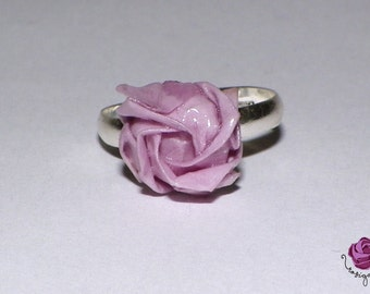 Rings with origami roses