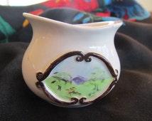 Little pot Hand painted ceramic pot miniature folk art vintage 60s Australian.