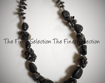 glass beaded necklace in black color