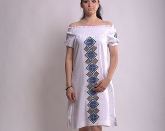 Linen white short-sleeved dress with embroidery