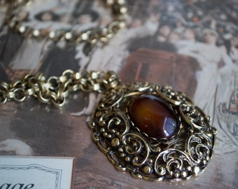 Detailed Mid Century Pendant Necklace