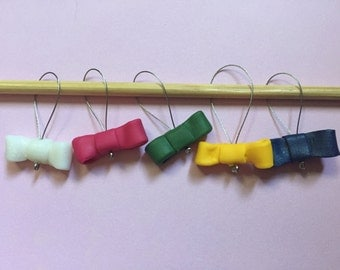 Knitting stitch markers: Cute bow!!