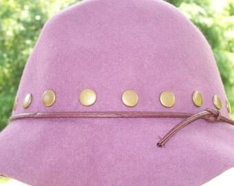 Vintage mod purple stud hat