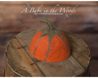 FREE Shipping: Felted Newborn Pumpkin hat