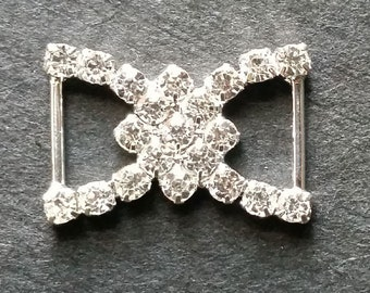DIAMANTE BUCKLE -  BOW