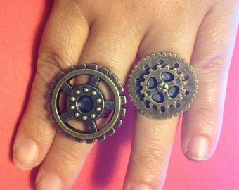 Set of two handmade steampunk rings.
