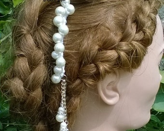 Ivory bridal comb, with vintage lace.