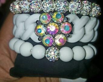 White bracelet trio snap, matte, rhinestone