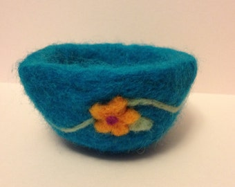 Needle felted trinket bowl