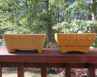 Vintage Set of California Pottery Planters in Mustard Yellow Geometrical Design
